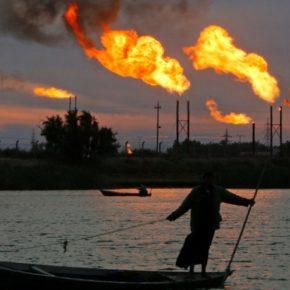 العراق يطوّر قطاع الطاقة بمشروع شركة وطنيّة تستخرج النفط وتُصنّع منتجاته