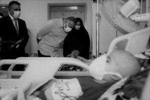 رئيس الوزراء العراقي مصطفى الكاظمي يزور مرضى كوفيد-19 في بغداد. 24 مايو 2020